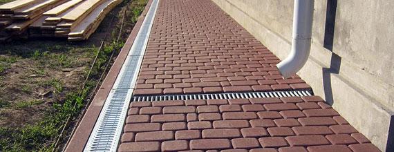 Водостоки для тротуарной плитки